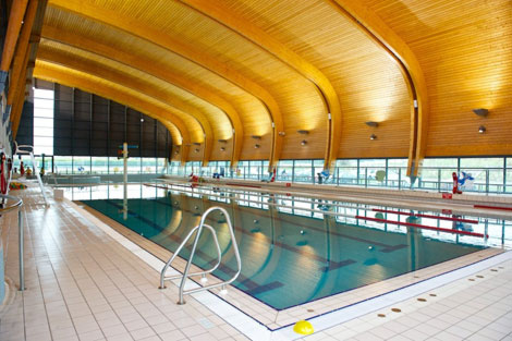 Aura Swimming Pool, Trim