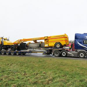 Matthews Transport - Extendable Flatbed Trailers