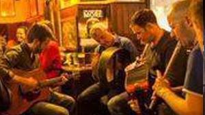 Reillys Bar - Music Session