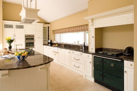 Kitchen picture by Heritage Kitchens