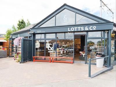 Lotts & Co